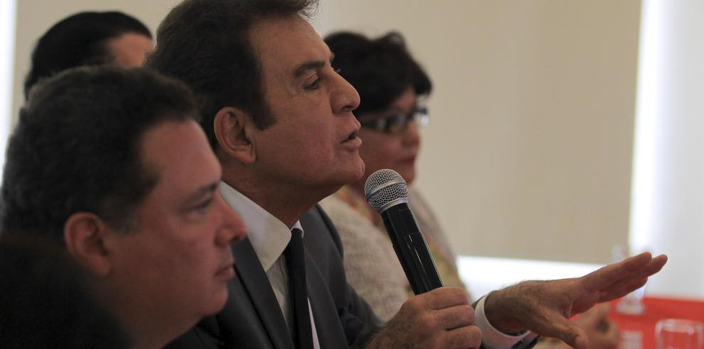 Nasralla entrega en Washington a OEA pruebas de fraude electoral en Honduras