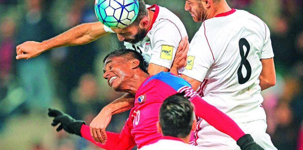 Panamá cae jugando de menos a más