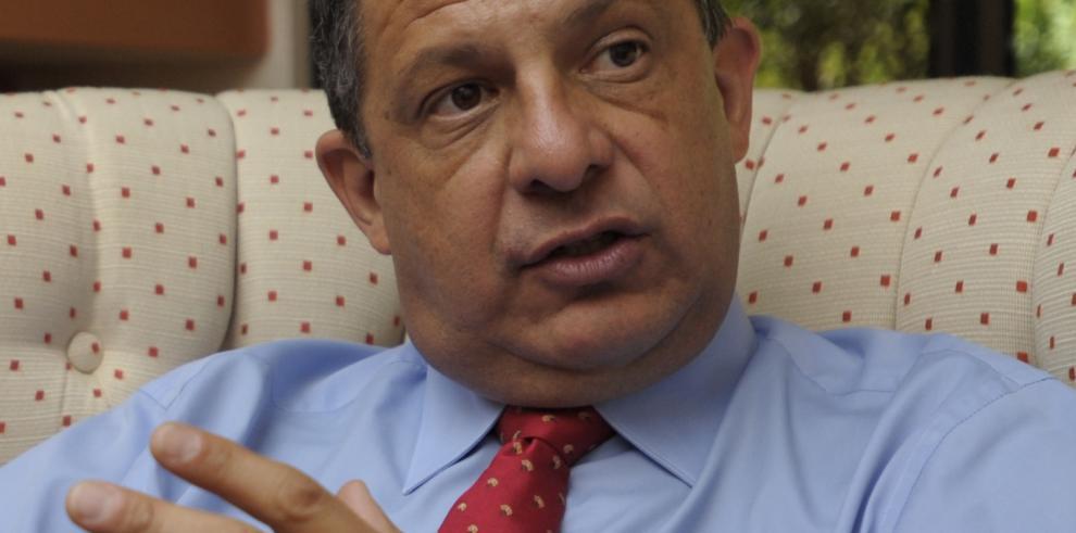 Presidente de Costa Rica será sometido mañana a operación de próstata
