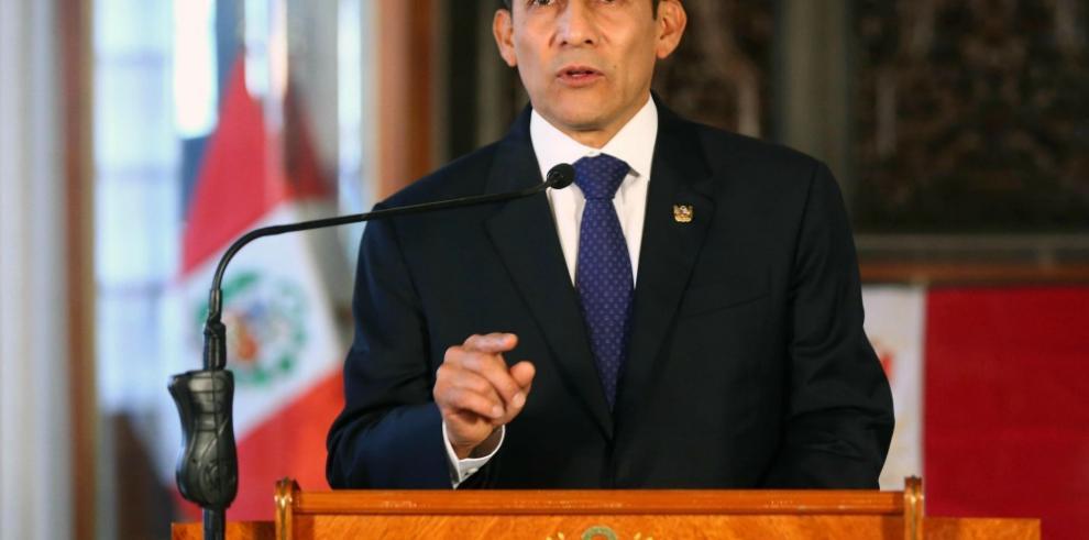 Congreso de Perú investigará a Humala por compra de satélite a Francia