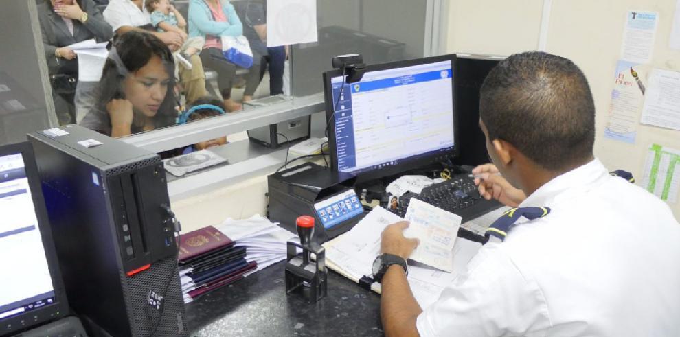 Experta propone mejores controles de acceso a inmigrantes