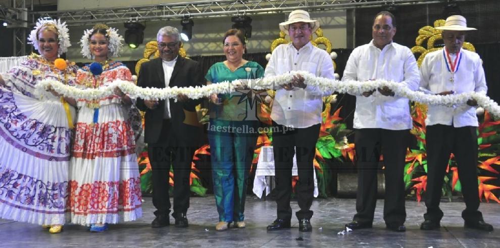 Feria de artesanías destaca los valores de la etnia, la cultura y el folclore nacional