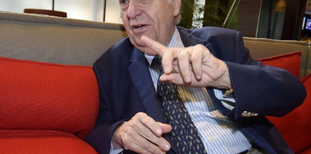 Sanguinetti: a la democracia la salva el periodismo independiente
