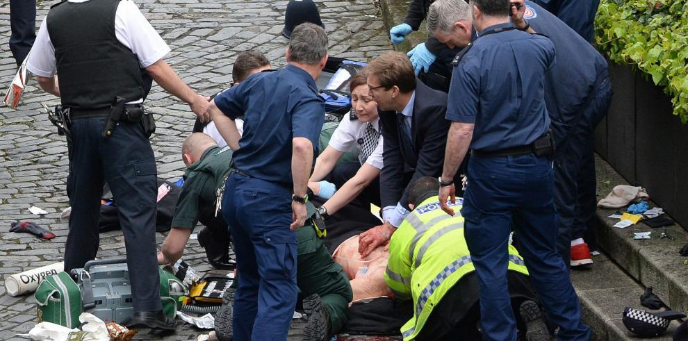 El alcalde de Londres anuncia el despliegue de policías en la capital