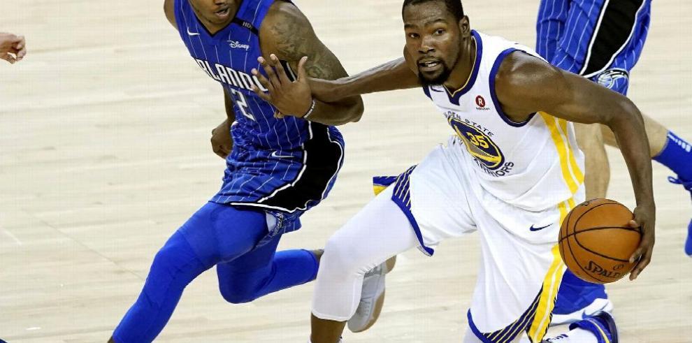 Warriors ganan sin Curry