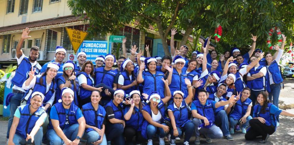 Voluntarios de Samsung celebraron la Navidad
