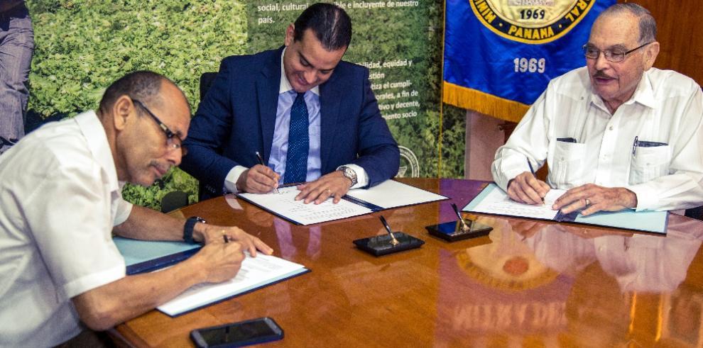 MITRADEL ratifica convención colectiva de Grupo Melo y SITRAMECA
