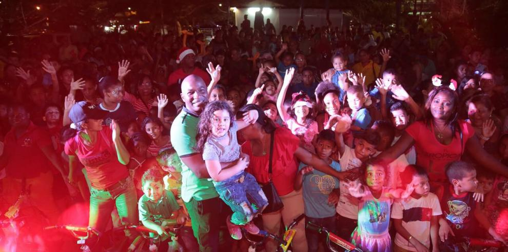 Alcaldía de San Miguelito comparte con familias en Brisas del Golf