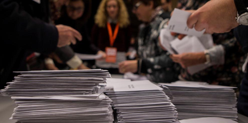 Independentismo catalán logra mayoría absoluta con 80% del escrutinio