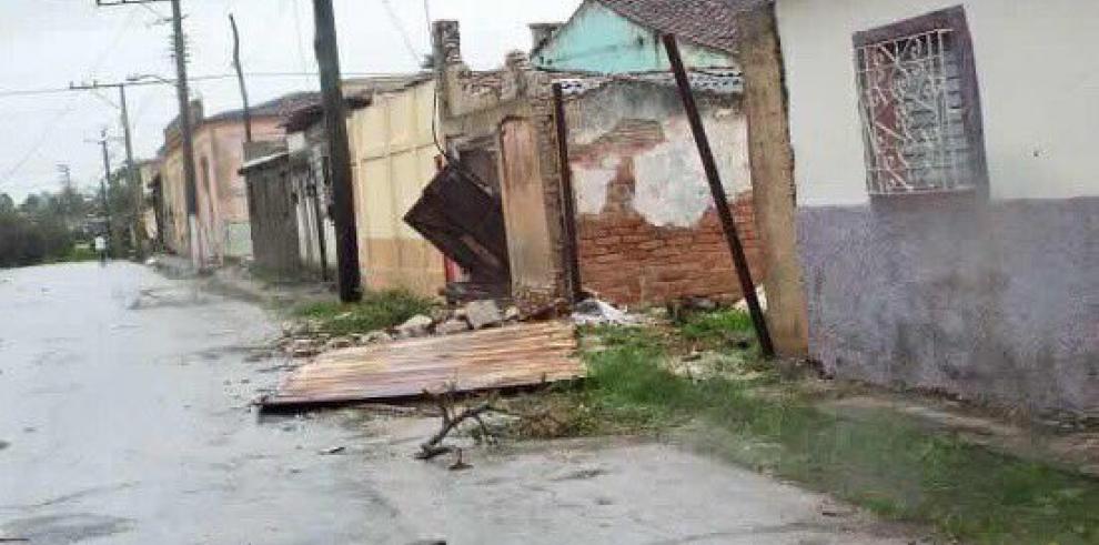 Raúl Castro ordena dar prioridad al restablecimiento de electricidad en Cuba