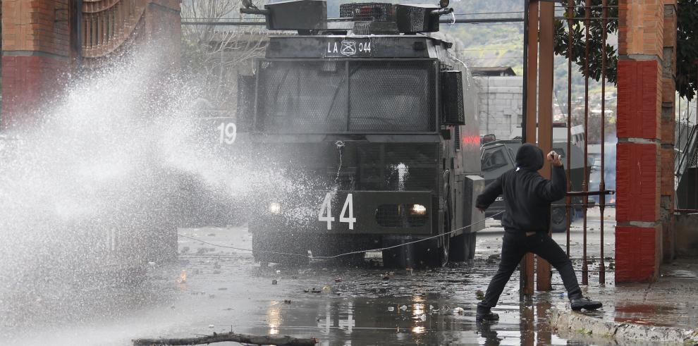 Chilenos protestan a 44 años del derrocamiento de Allende con masiva romería