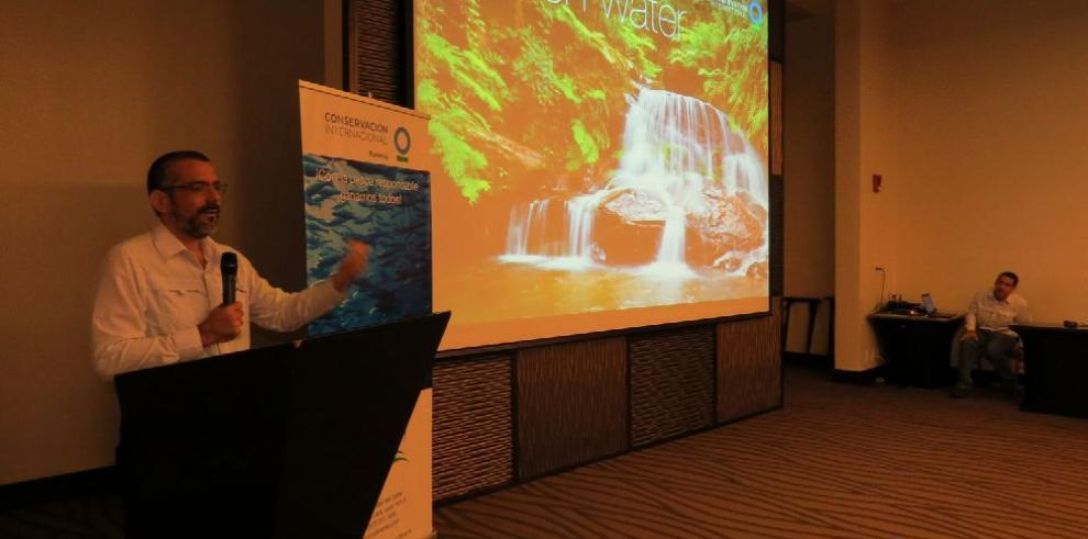 CI implementa en Panamá plan para proteger los recursos marinos