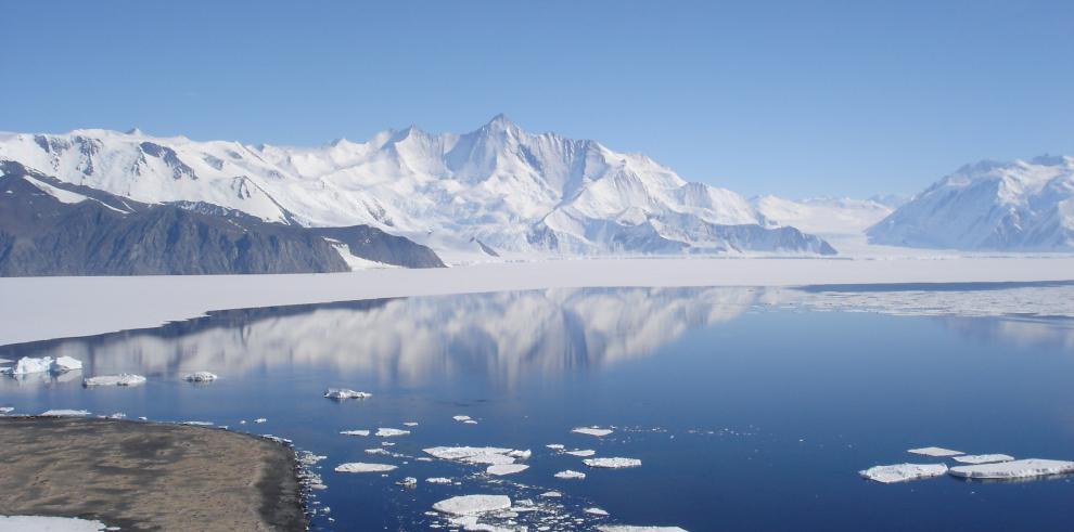 Cambio climático afecta un 25% el deshielo en la Antártida en 2100