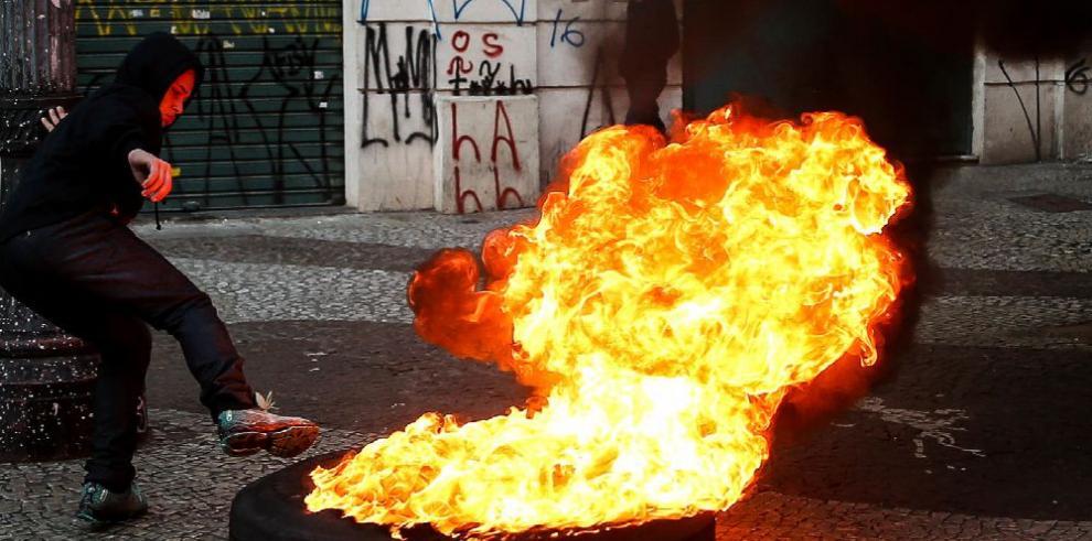 Sindicatos protestan y realizan paro en Brasil