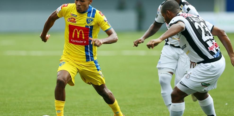 Chorrillo F.C. y Tauro F.C. ponen en marcha las semifinales de la LPF