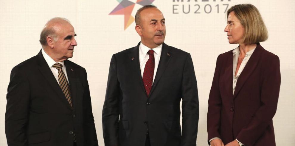 UE: Turquía debe respetar libertades para entrar a la Unión