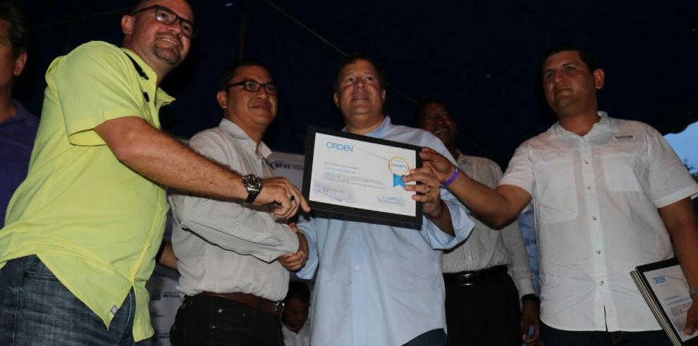Presidente Varela entrega órdenes de proceder para obras de sanidad en Herrera