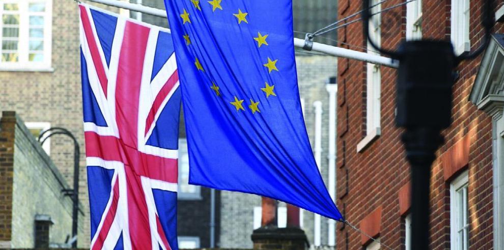 Parlamento británico da luz verde para inicio del 'brexit'