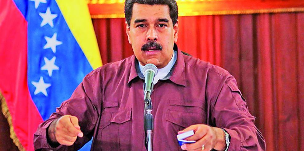 Maduro dice que el referendo opositor es una
