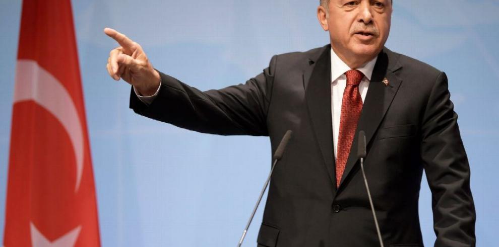 Informe asegura que Erdogan fraguó un 'autogolpe'