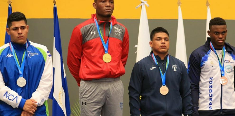 Almendra y Brown revalidan títulos con las primeras medallas de oro para Panamá