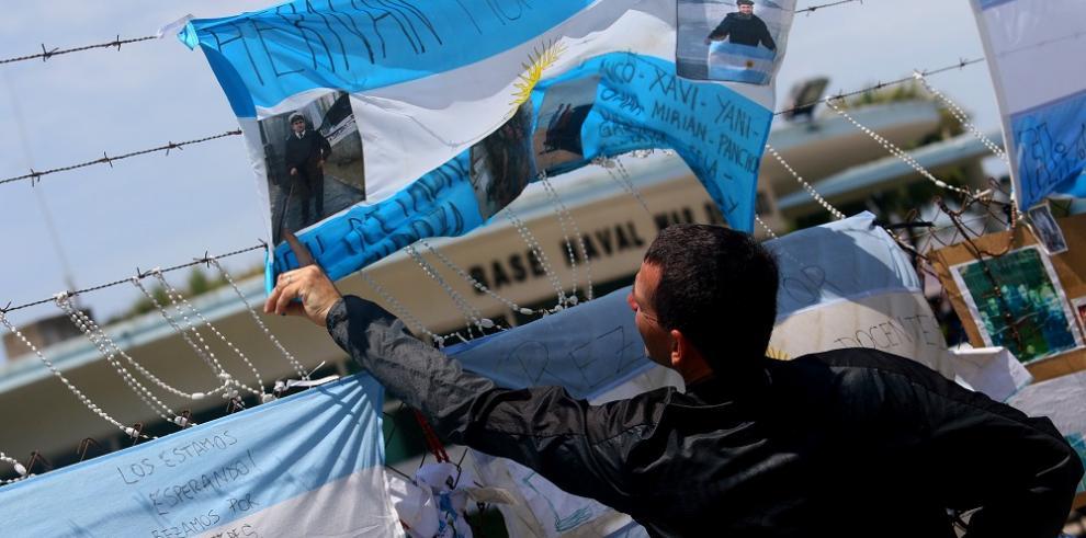 Argentina vive jornada de oración por los tripulantes del submarino perdido