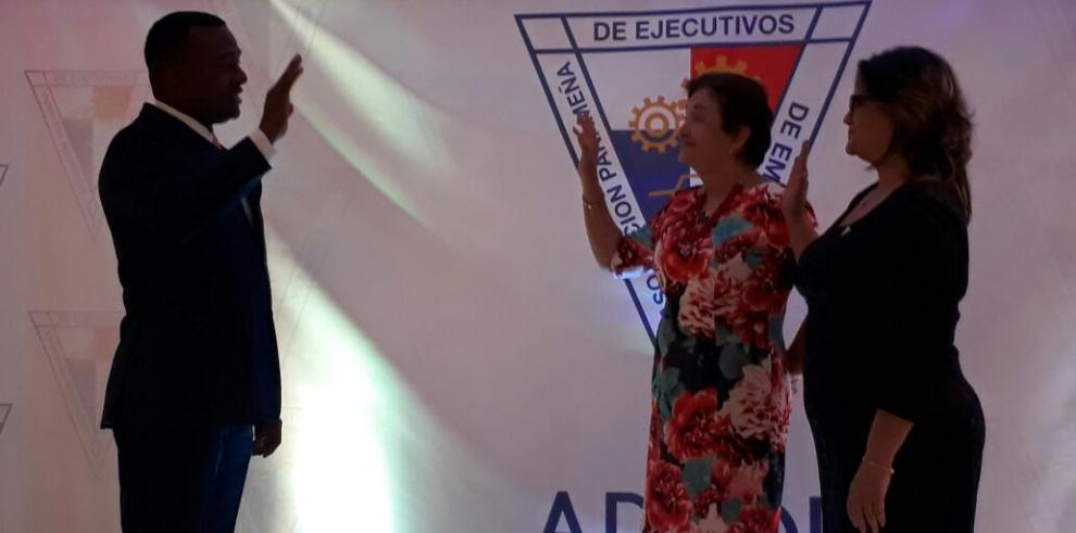 Gilberto Mena nuevo presidente de Apede, Colón