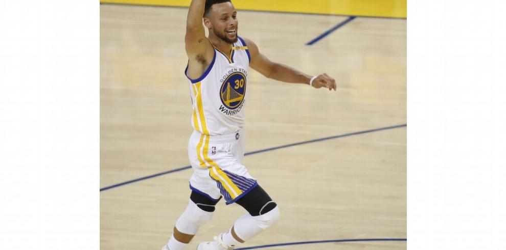 Mantener a Curry no es dilema para los Warriors