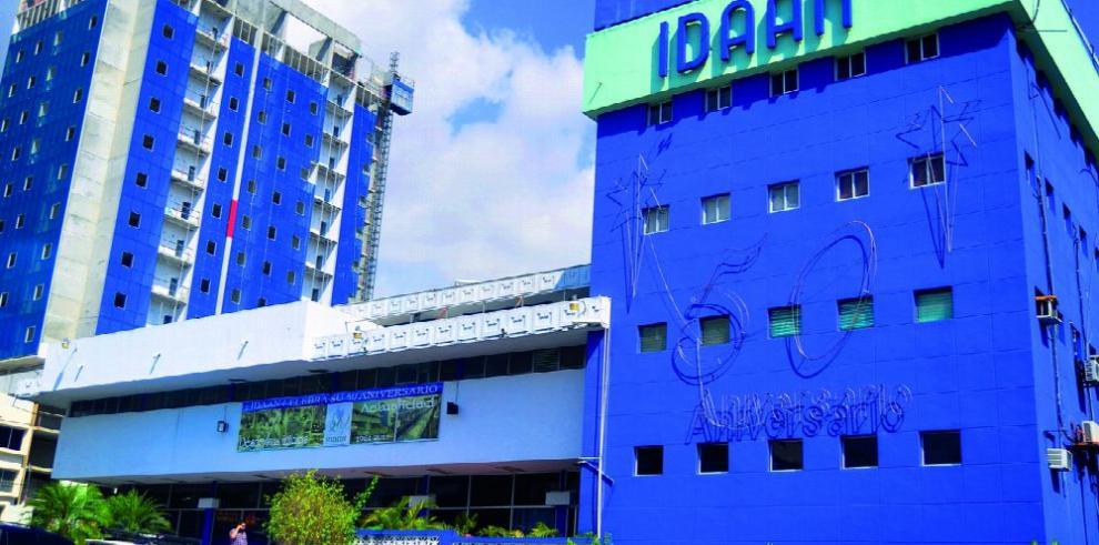 Julia Guardia culpa a la burocracia de la crisis del Idaan