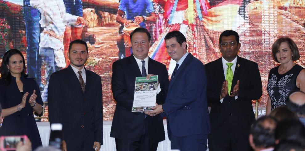 Varela sanciona ley de incentivos forestales