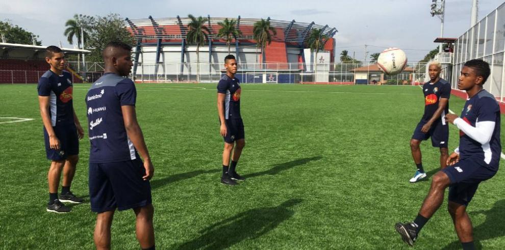 Panamá se prepara con cinco jugadores
