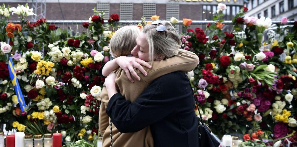 Estocolmo: solidaridad entre el dolor