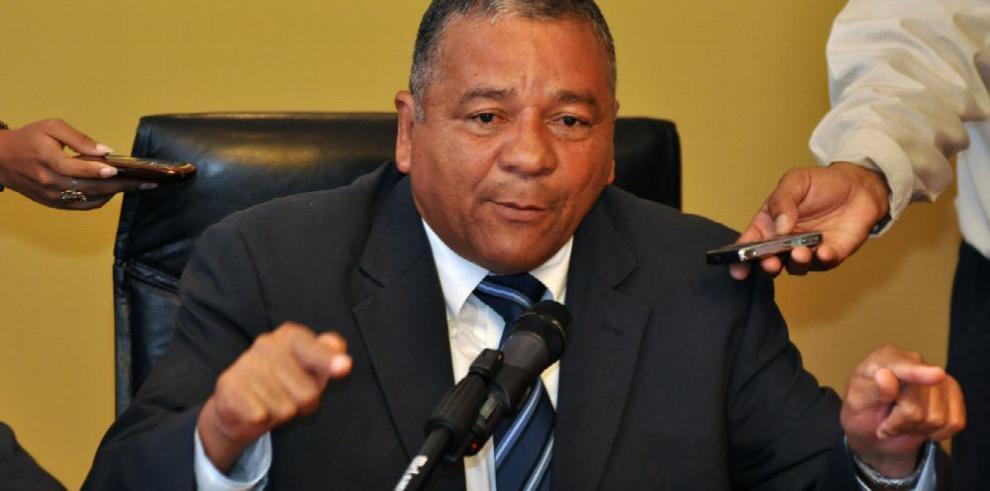 Muñoz inicia proceso para inscribir partido