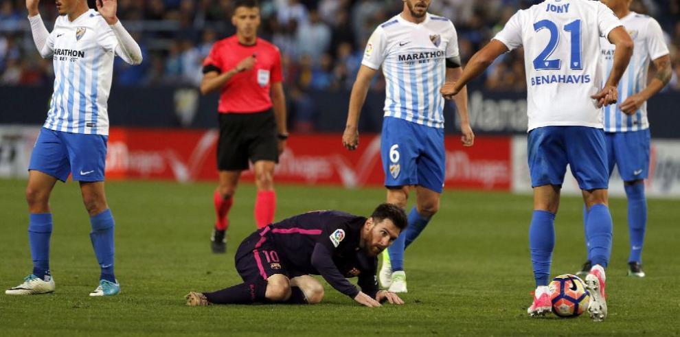 Barça pierde la oportunidad de ser líder y Madrid sigue adelante