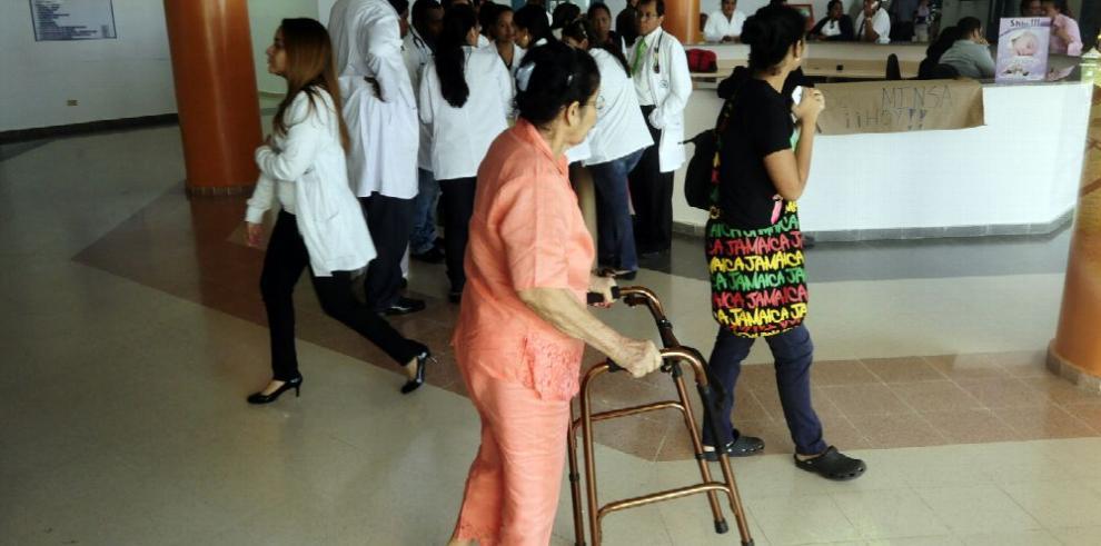 Médicos convocan a paro para el lunes 20 de marzo