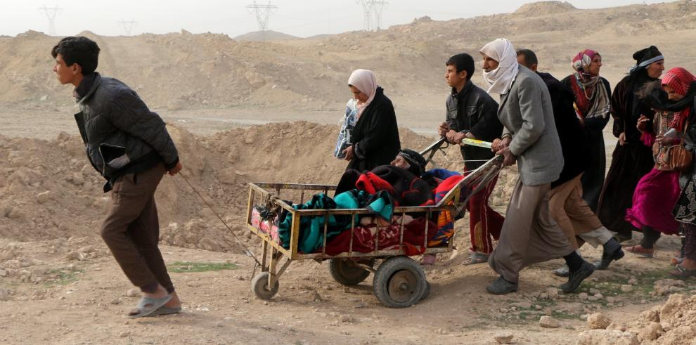 Infierno en Mosul provoca estampida de 100 mil civiles
