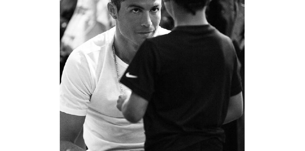 Ronaldo será padre de gemelos por gestación subrogada, según The Sun