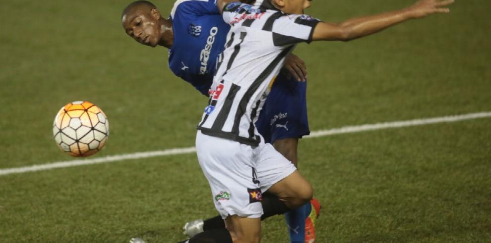 Atlético Veraguense recibe al Tauro FC en el 'Toco' Castillo
