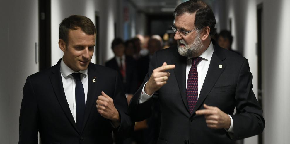 Rajoy y Macron se reúnen en Bruselas para analizar el futuro de la UE