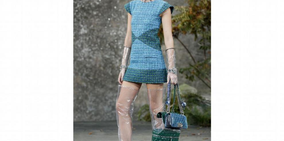 Plástico, el nuevo 'must' de la moda