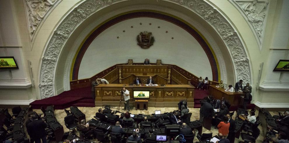 Parlamento venezolano declara fraudulento resultado de elecciones regionales