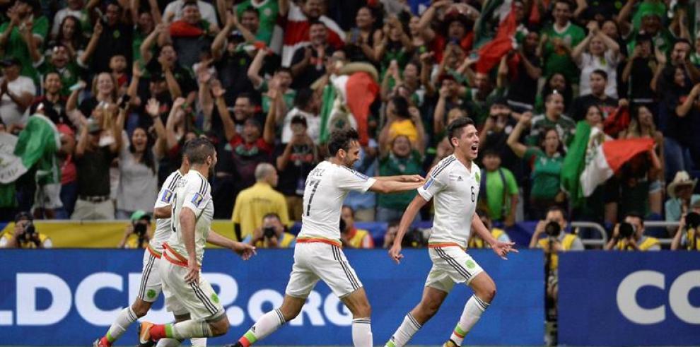 México vence con esfuerzo a Curazao y gana el Grupo C