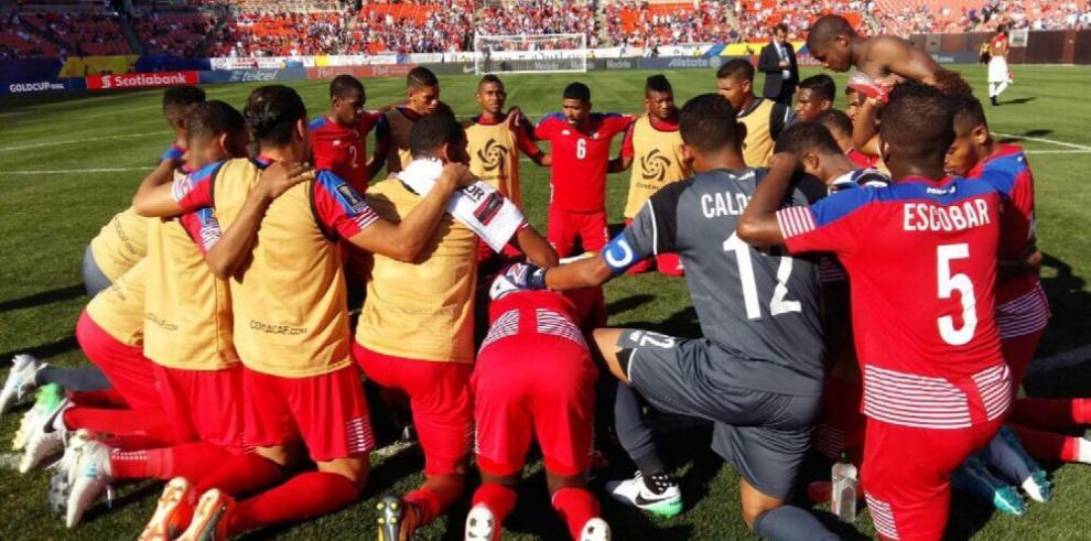 Panamá gusta, golea y logra su clasificación
