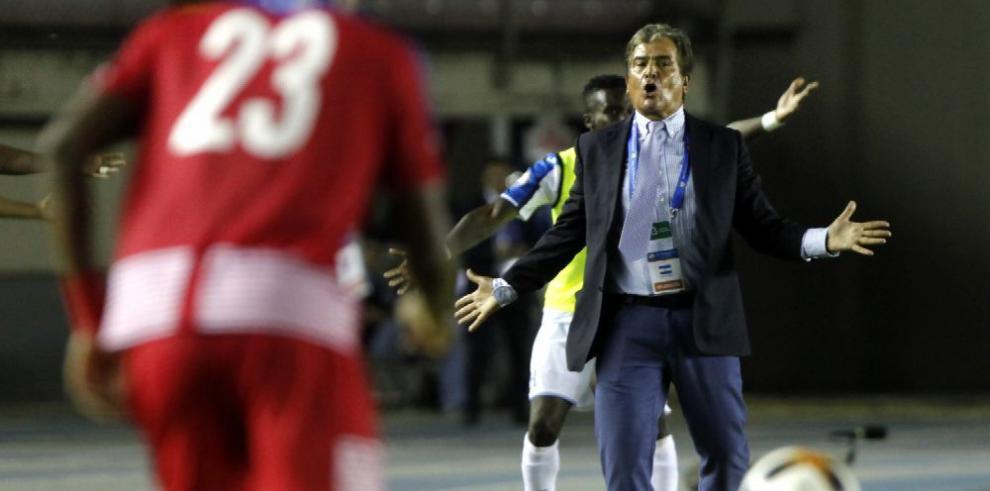 Pinto pide disculpas y Panamá debe mejorar