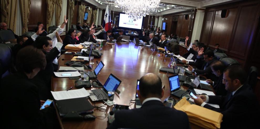 El gabinete de Varela responde críticas de Movin