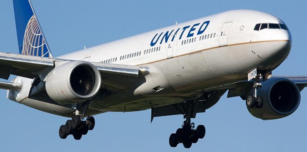 United suspende vuelos a Caracas por baja demanda
