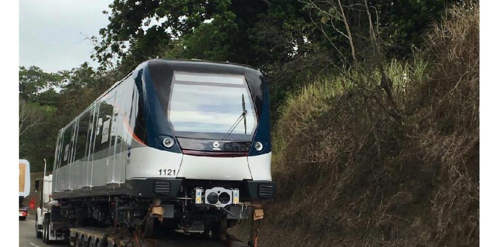 Llega a Panamá el primero de los nuevos trenes del Metro