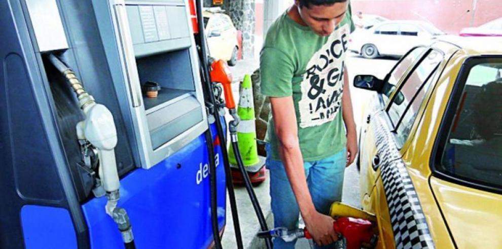 Precios de la gasolina y el diésel reflejan leve disminución