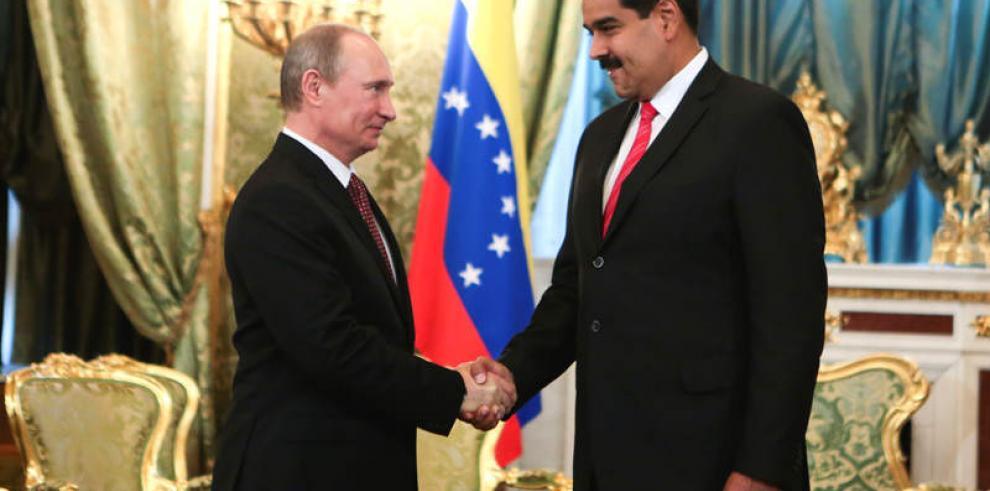 Putin expresa a Maduro su