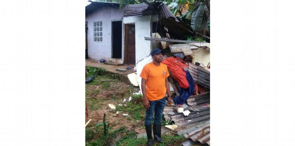 Inundaciones y caída de árboles por fuertes lluvias en el país